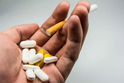 Ridurre i danni del fumo con 4 vitamine